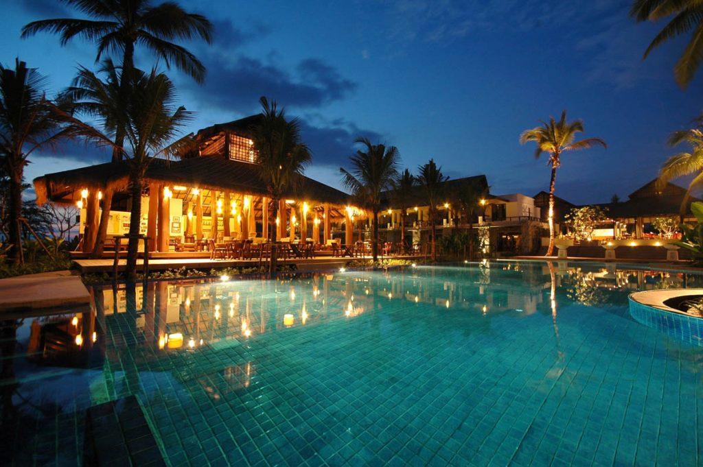01 Palm Galleria Resort