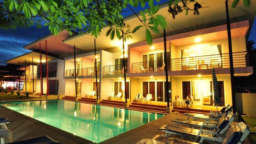 05 PP Nice Beach Resort.